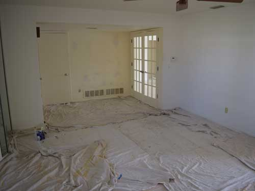 painting contractor Largo before and after photo interior2before